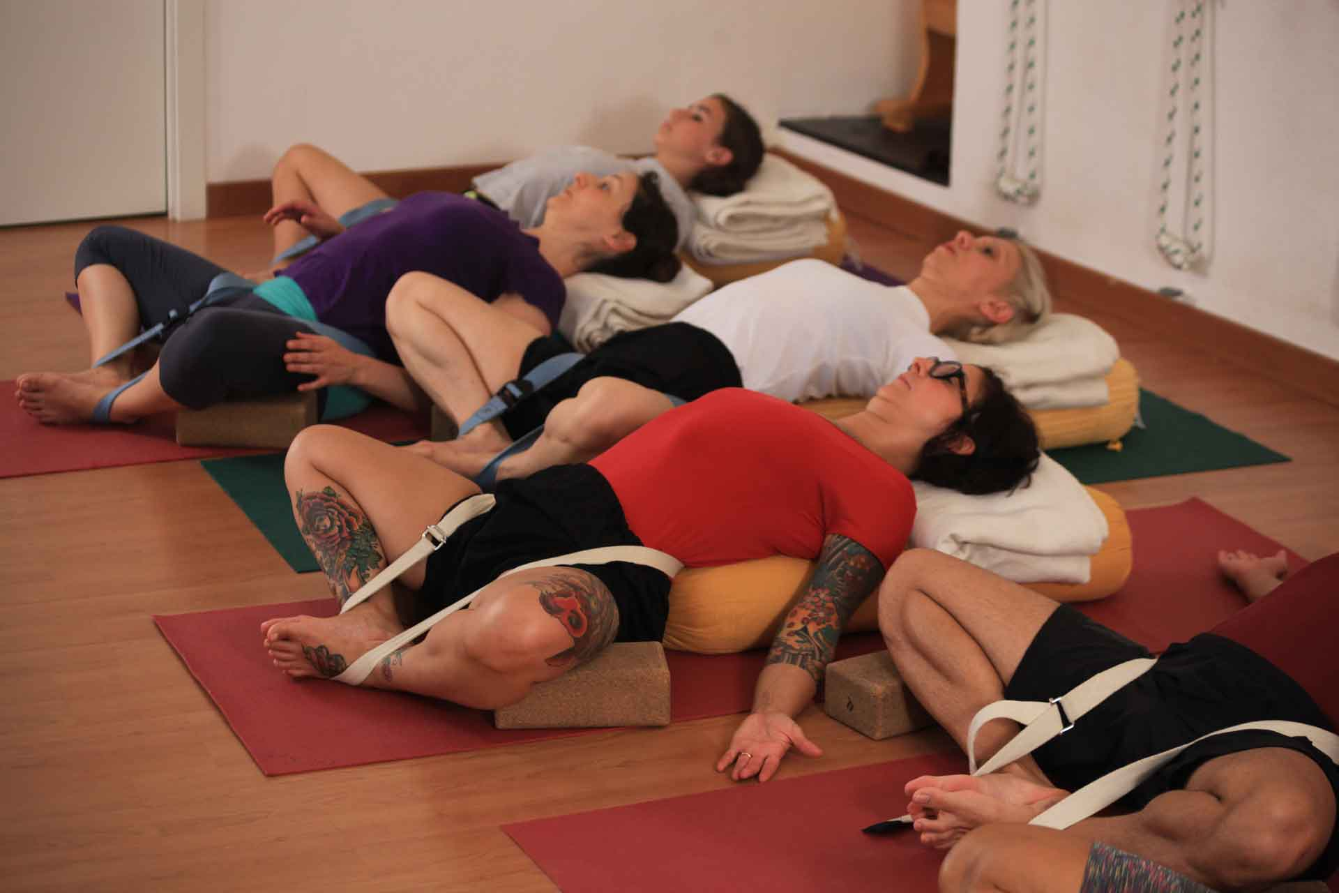 Intermediate yoga course in our school in Genoa